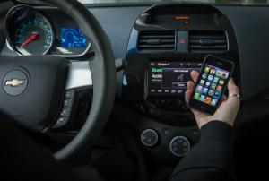 Apple's in-car technology expected in half of new vehicles by 2018